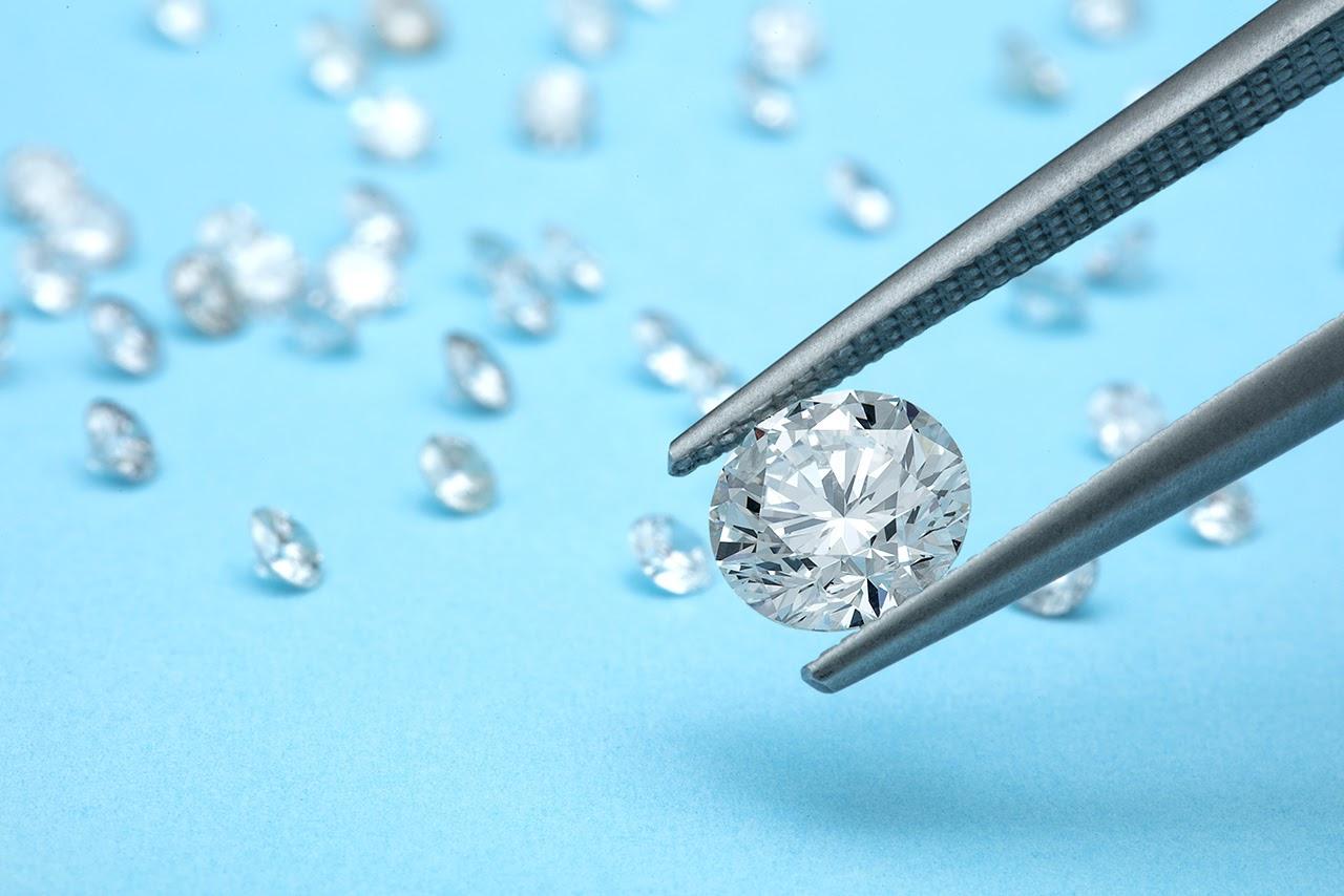 Natural Diamonds Vs. Lab-Grown Diamonds: Everything You Need to Know