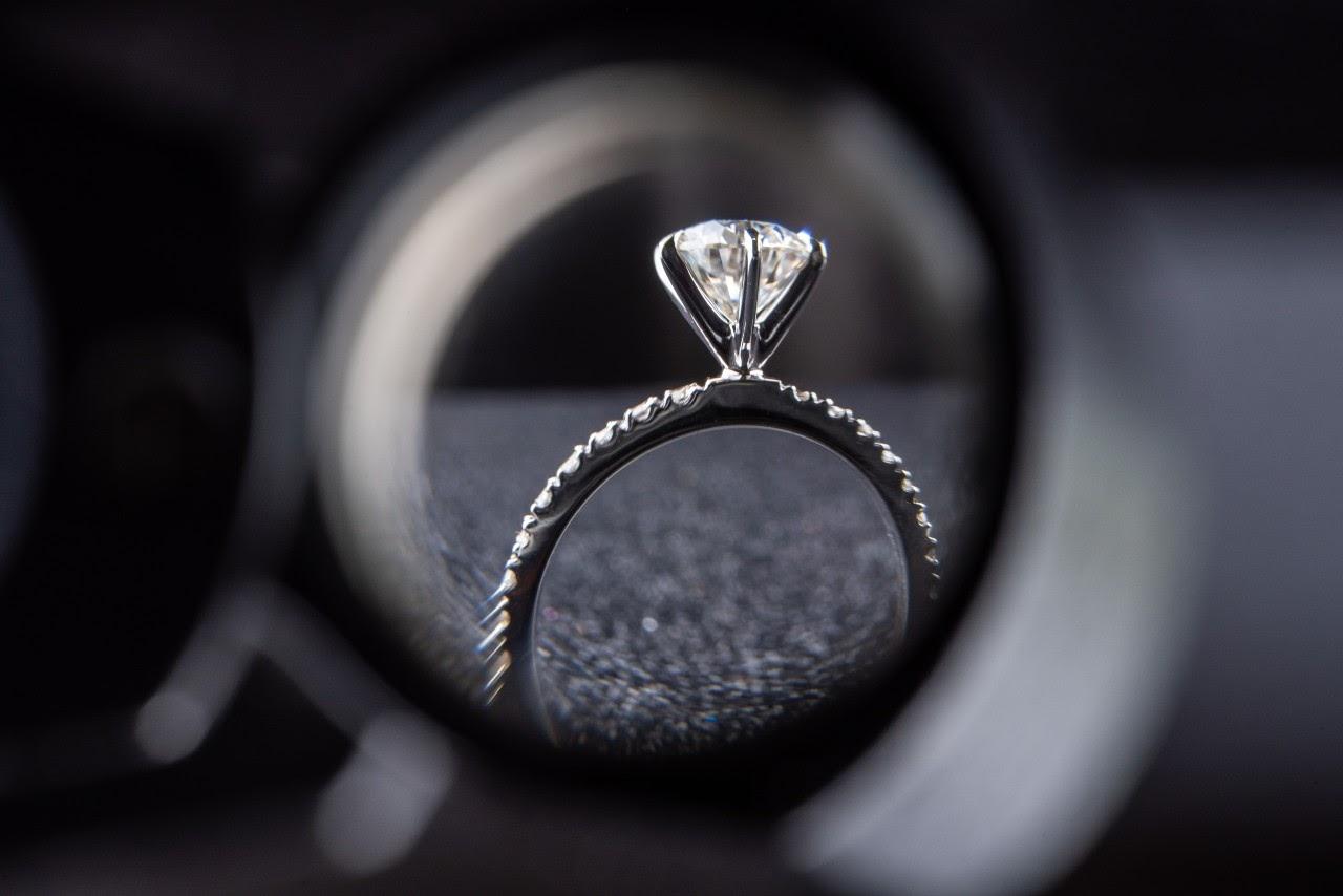 Expert Tips for Custom Designing an Engagement Ring